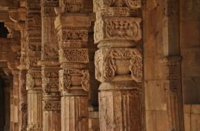 pillars-166956_960_720